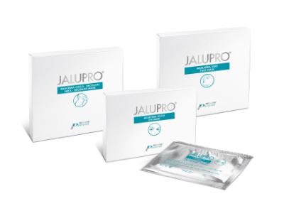 Tratament cu acid hialuronic pentru netezirea ridurilor fine